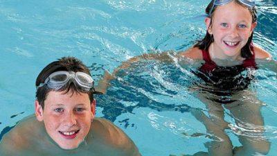 2-kids-in-pool_3571_WEB